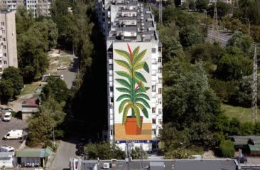 Agostino Iacurci Paints a Mural in Kiev.